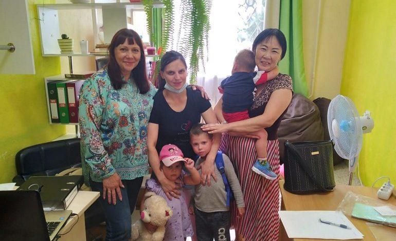 Как одиноким мамам может помочь проект «Временная семья»