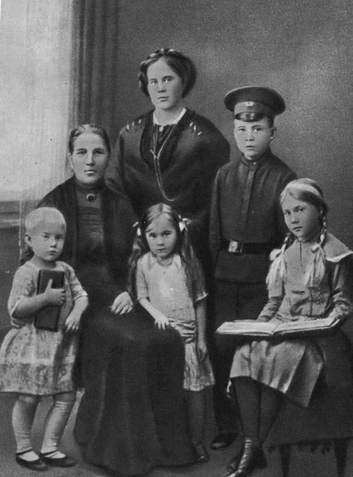 Аркадий Гайдар: история «мальчиша», покорившего сердца всех