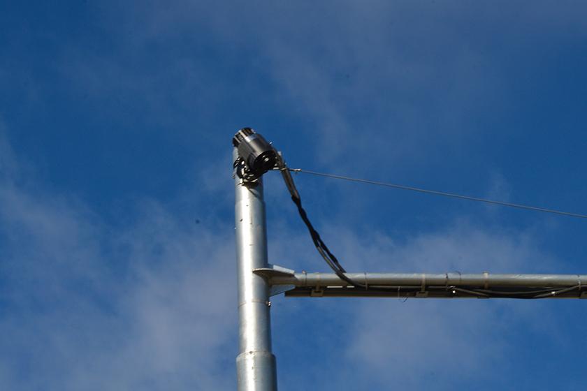 Ночная зебра на Трёхгорной: 400 тысяч за светофор-проектор