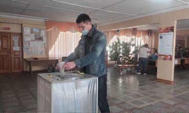 На участок – строем: как проходят выборы в Хабаровске