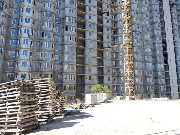 Четыре брошенных высотки хотят достроить в Хабаровске