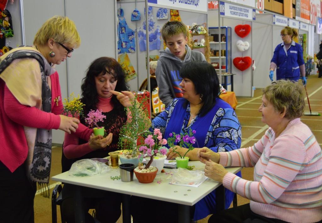 Все желающие могут посетить мастер-классы по различным видам рукоделия