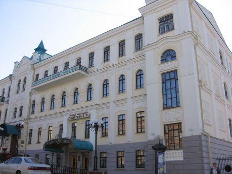 """Окна для Хабаровской краевой филармонии изготовлены на предприятии """"Дружба"""""""