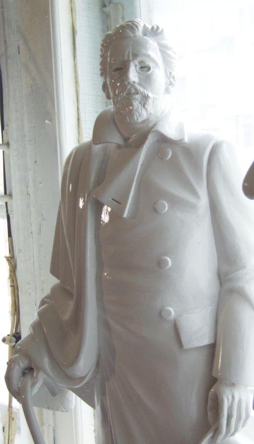 Кабинетная скульптура Чехова
