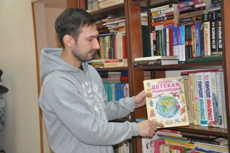 Директор магазина Михаил Боровский. Фото Юлии Гарднер
