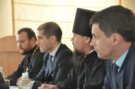 Координаторы проекта обеспокоены низкой посещаемостью курсов русского языка. Фото автора.