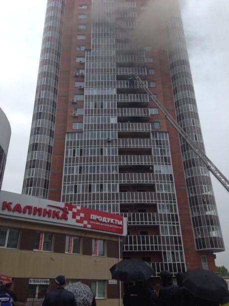 Почему в новом доме огонь распранялся молниеносно и не сработал аварийный ход лифта с открыванием дверей будет разбираться комиссия