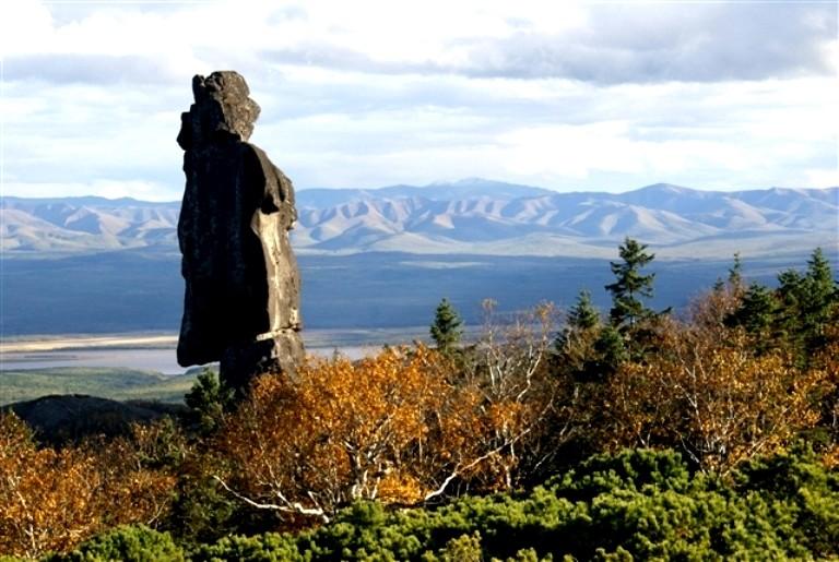 Загадочные амурские столбы расположены недалеко от села Нижне-Тамбоское Хабаровского края.