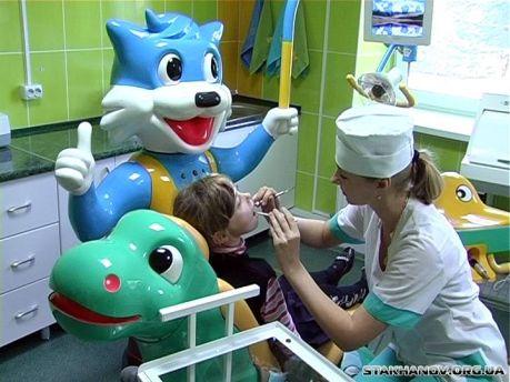 Более 60 юных посетителей были осмотрены врачами-стоматологами и получили «паспорта стоматологического здоровья»
