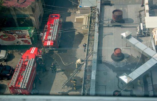 К месту происшествия прибыло две пожарные машины