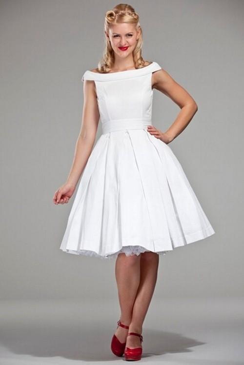 Расклешенное от талии платье – хит