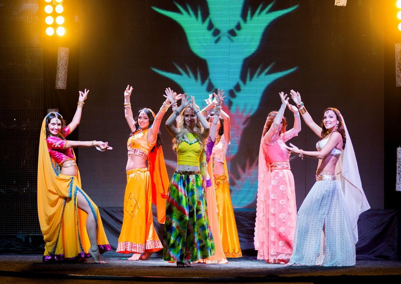 Восточные танцы от конкурсанток конкурса