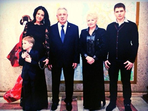 Семья Ишаевых
