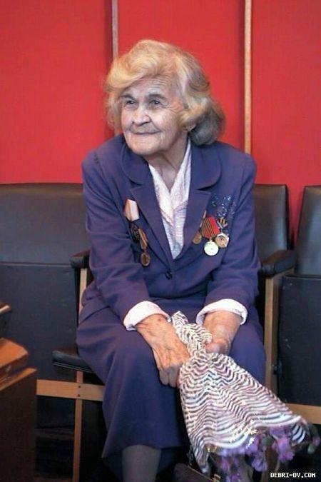 Юлия Шестакова (1914-2002)