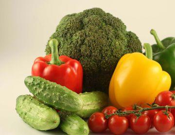 80-120 кг картофеля и 146 кг различных овощей - ежегодная норма потребления взрослого человека для нормальной жизнедеятельности, установленная институтом питания Академии медицинских наук