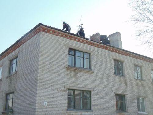 Верхолазы-узбеки работали без разрешительных документов