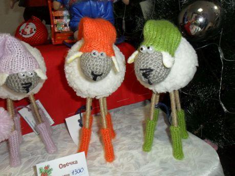 Символ года - овечки, выполненные в разных техниках, стали настоящим украшением ярмарки
