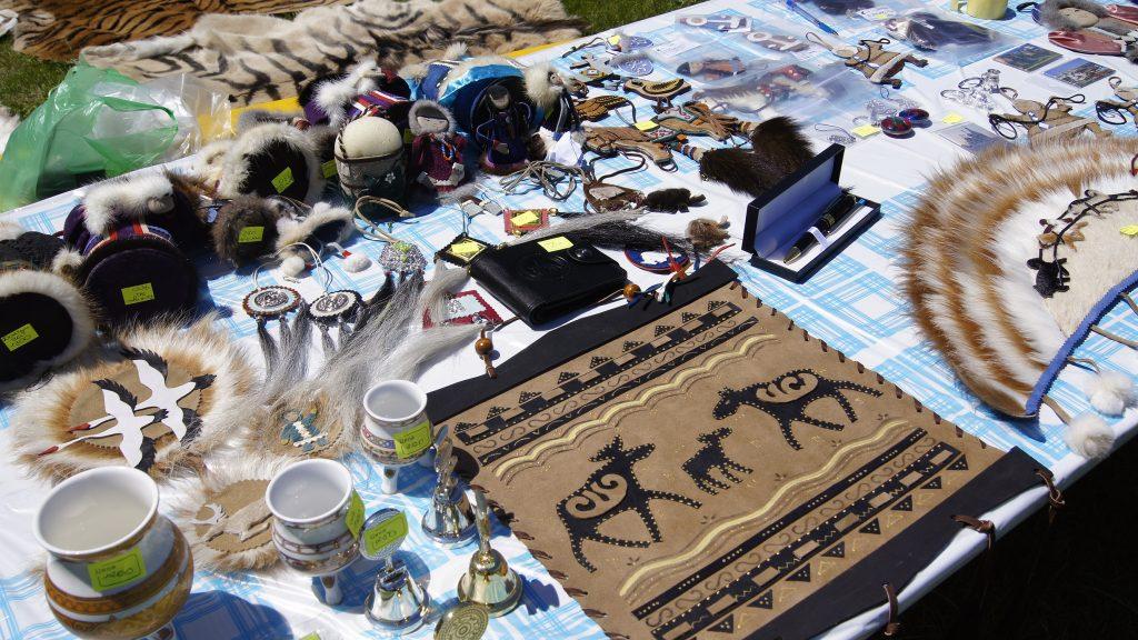 Вот такие сувениры приготовили якутские умельцы