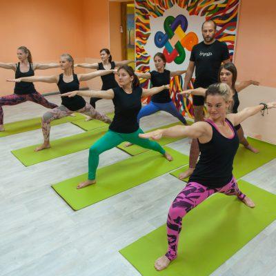 Занятия в B.Yoga центре. Руководитель Алексей Соснин   (5)