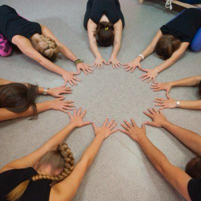 Занятия в B.Yoga центре. Руководитель Алексей Соснин   (9)