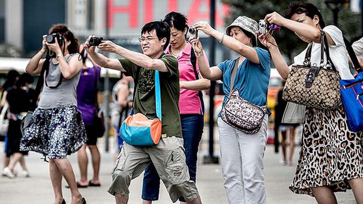 Число китайских туристов в мире превысило 100 миллионов человек.