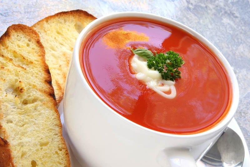 летнее меню томатного супа-пюре