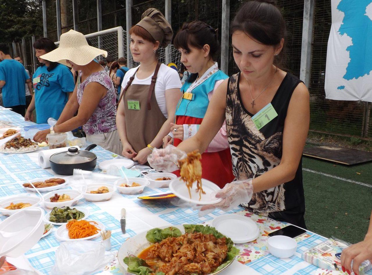 Кулинарный фестиваль кимчи - пожалуй, наиболее популярная часть праздника.