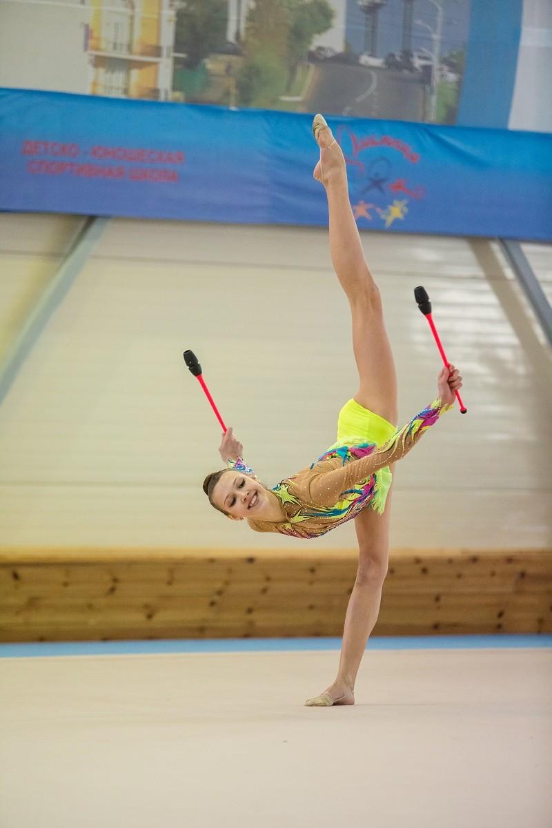 800 гимнасток творят красоту в хабаровской «Олимпии»