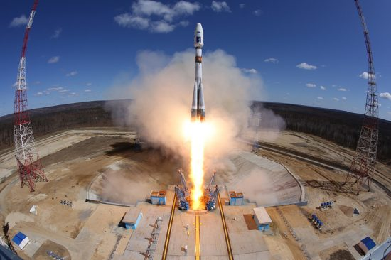 """AMUR REGION, RUSSIA. APRIL 28, 2016. A Soyuz-2.1a rocket booster carrying Lomonosov, Aist-2D and SamSat-218 satellites blasts off from a launch pad at the Vostochny Cosmodrome. Marina Lystseva/TASS Ðîññèÿ. Àìóðñêàÿ îáëàñòü. 28 àïðåëÿ 2016. Ðàêåòà-íîñèòåëü """"Ñîþç-2.1à"""" ñ ðîññèéñêèìè êîñìè÷åñêèìè àïïàðàòàìè """"Ëîìîíîñîâ"""", """"Àèñò-2Ä"""" è SamSat-218 âî âðåìÿ çàïóñêà ñî ñòàðòîâîãî êîìïëåêñà êîñìîäðîìà Âîñòî÷íûé. Ìàðèíà Ëûñöåâà/ÒÀÑÑ"""