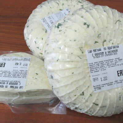 Сыр с укропом и чесноком