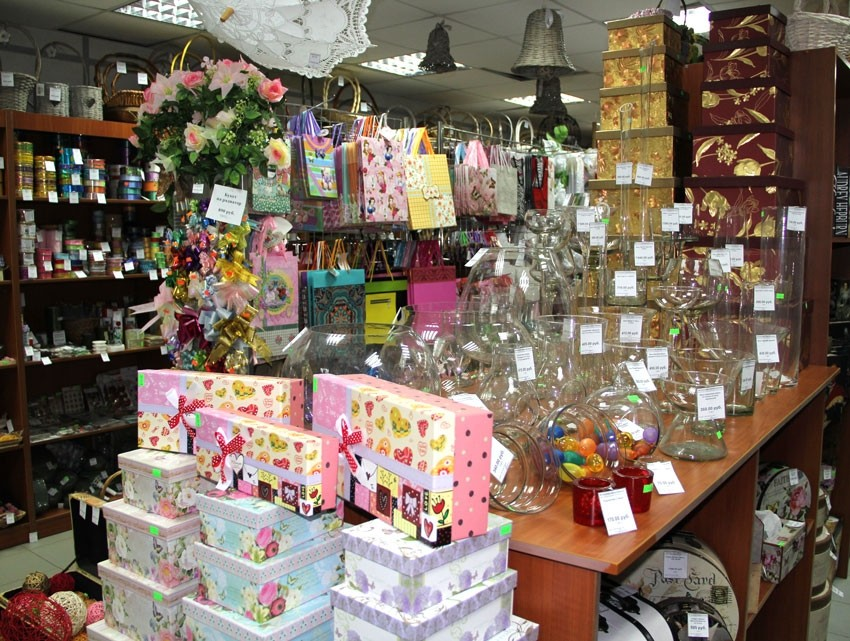 Праздник к нам приходит: где в Хабаровске оригинально оформить новогодний подарок