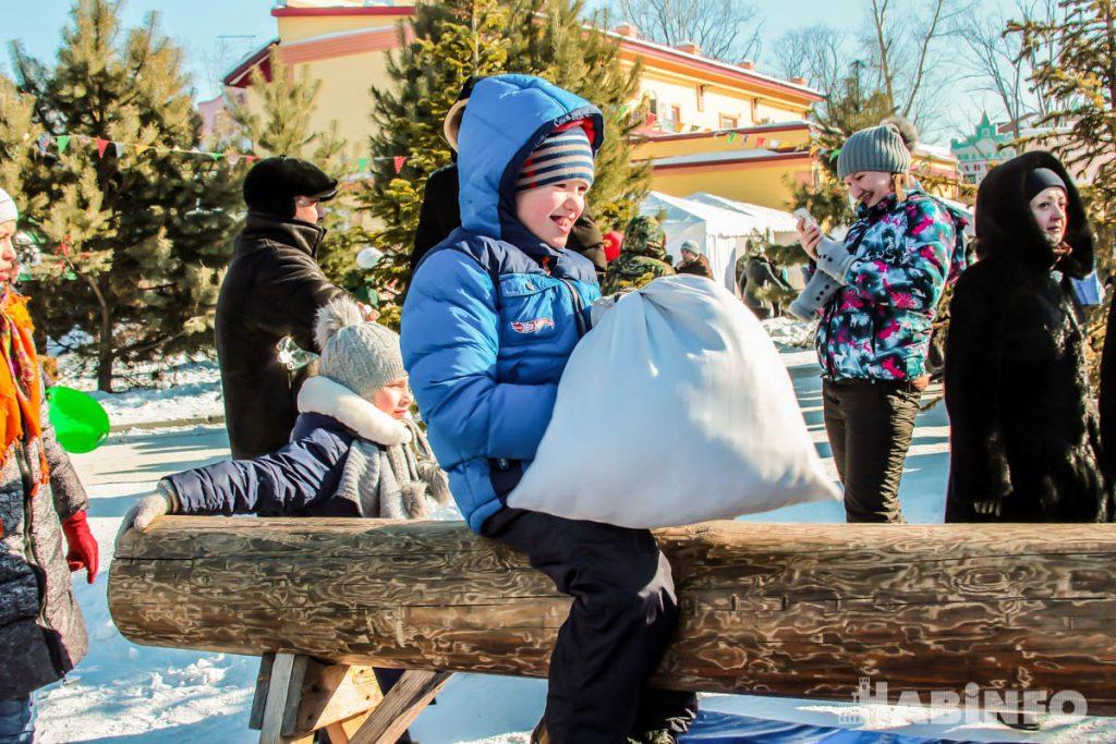 Как в Хабаровске Масленицу праздновали (ФОТОРЕПОРТАЖ)