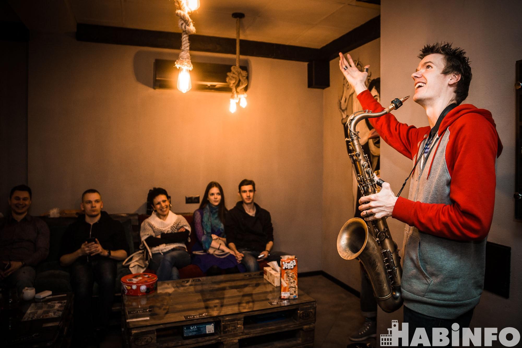 Саксофонист из США удивил хабаровчан новым джазом без границ