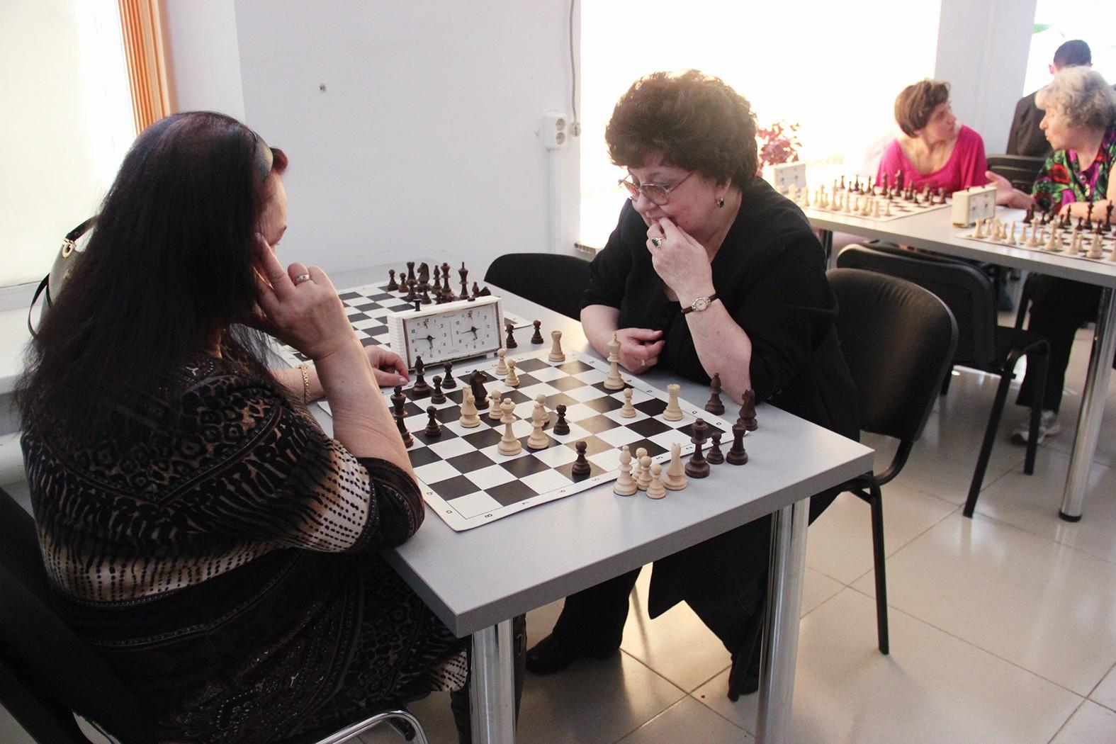 Женщины-шахматистки не отстают от мужчин!