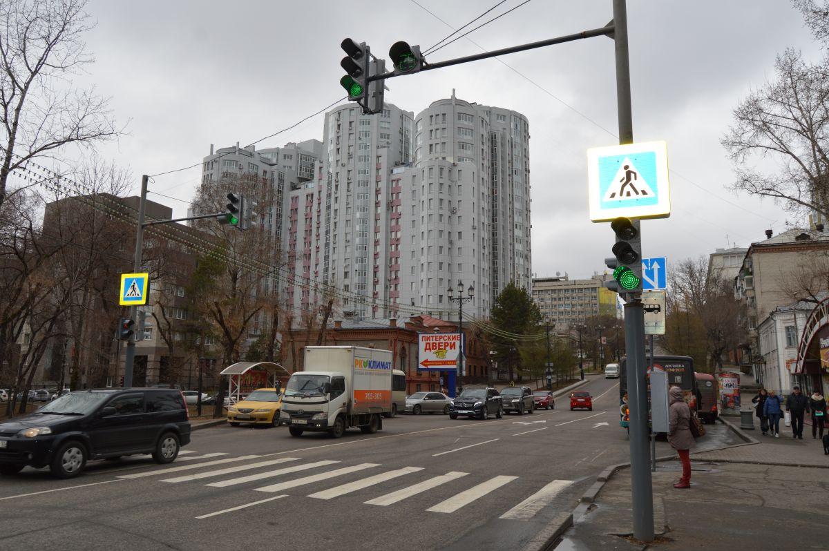 Пробок не будет: новый светофор установили на улице Тургенева