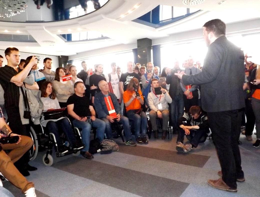 """""""Удар по штабам"""": сторонники Навального получили крышу в Хабаровске"""