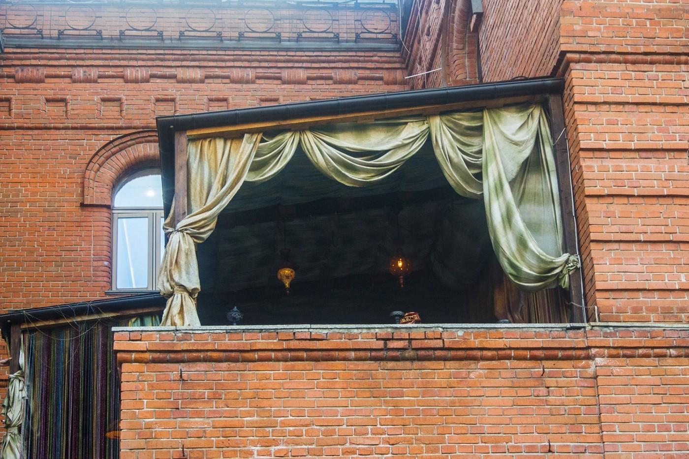 Обед на свежем воздухе: уютные террасы на главной улице Хабаровска