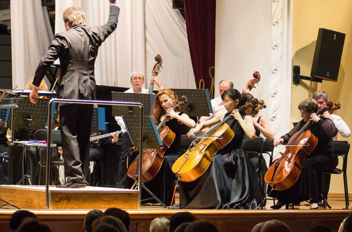 Abba и Led Zeppelin в Хабаровской филармонии: Дальневосточный симфонический оркестр завершил сезон