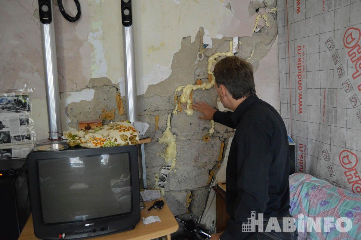 В доме, который вот-вот рухнет, вынуждены жить хабаровчане из-за бюрократических проволочек