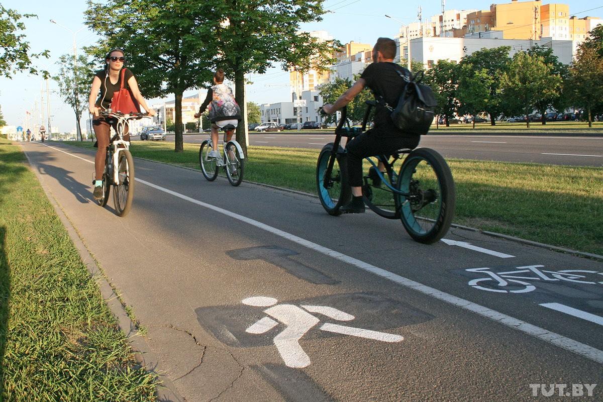 Велосипедисты против водителей: кто кому должен уступать дорогу?