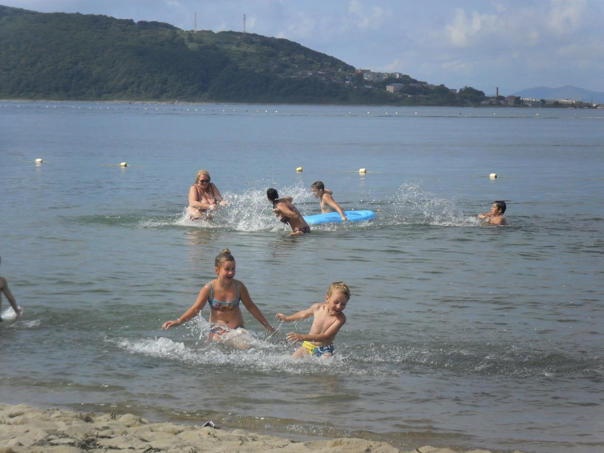 Пляжи Приморья к сезону готовы