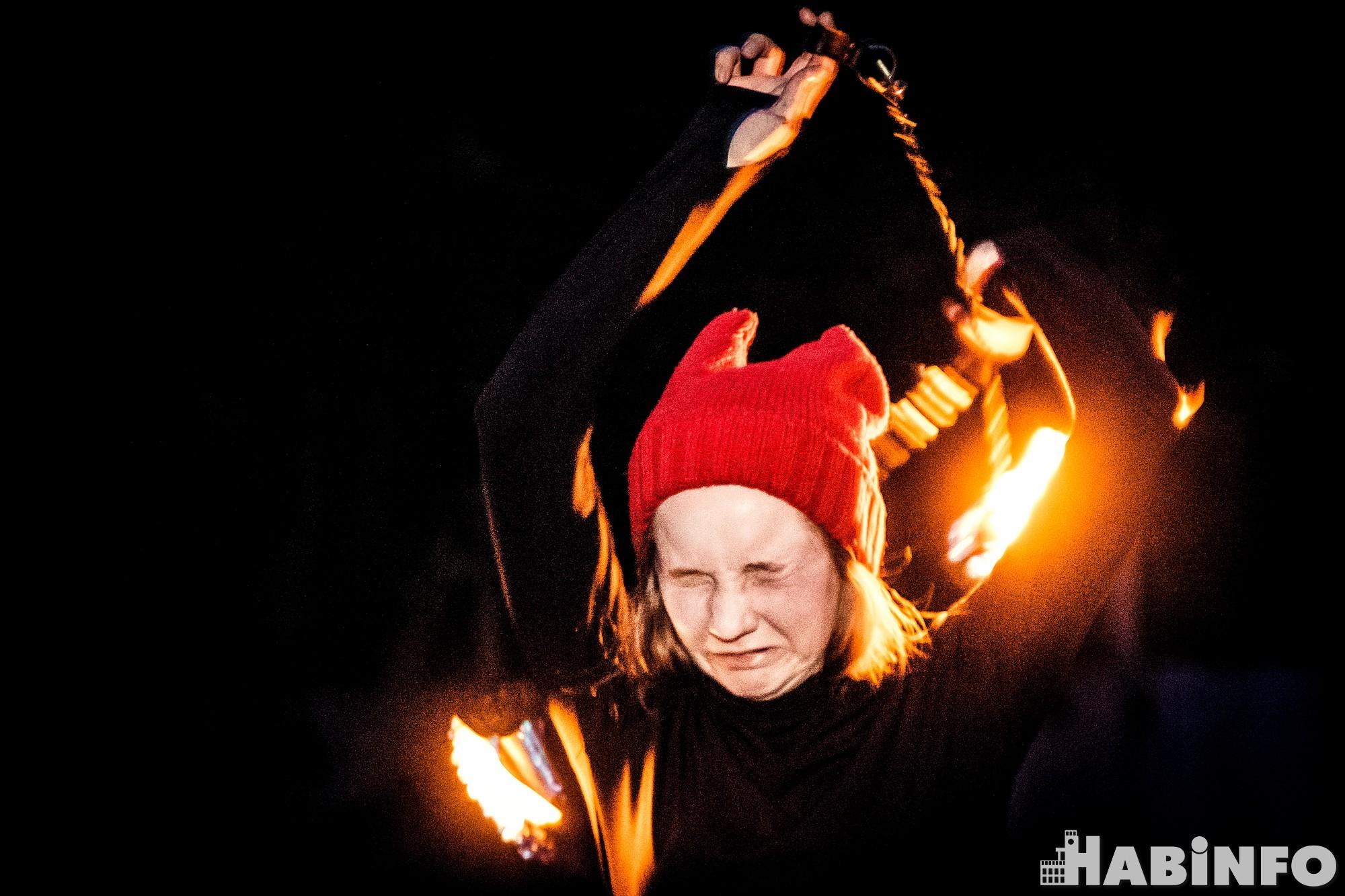 Повелители огня: хабаровские фаерщики рассказали, как приручить пламя