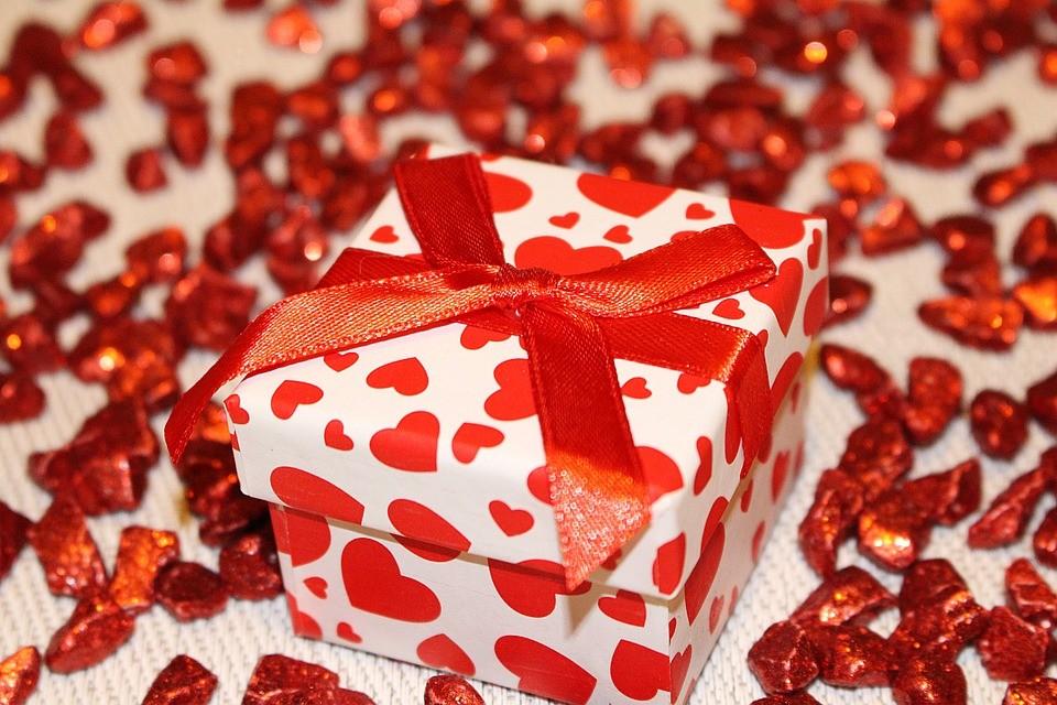 День дарения подарков и День рождения «Диснейленда»