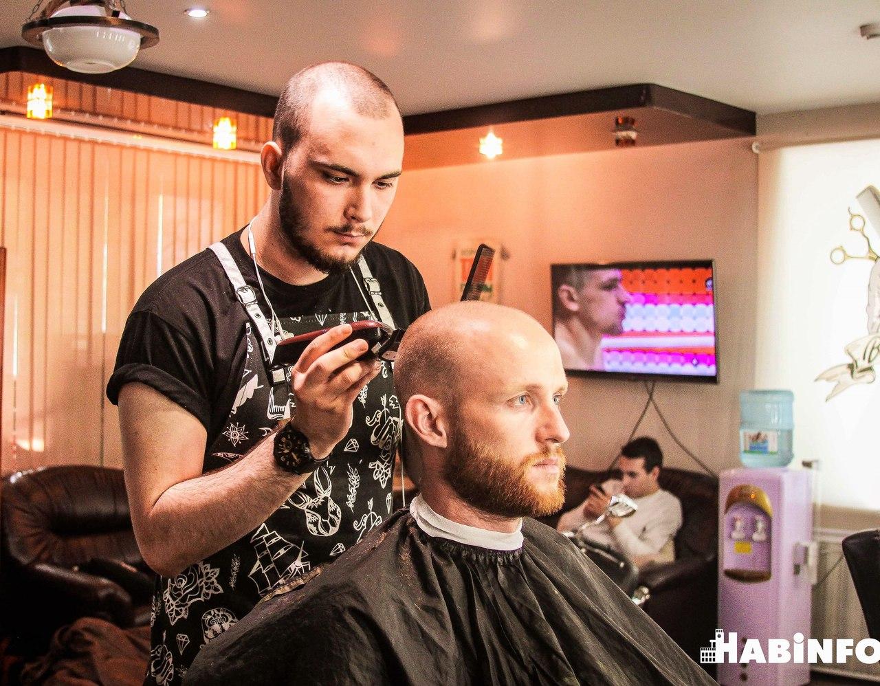 «Девушек я не люблю» - один из самых молодых парикмахеров в Хабаровске о своей работе