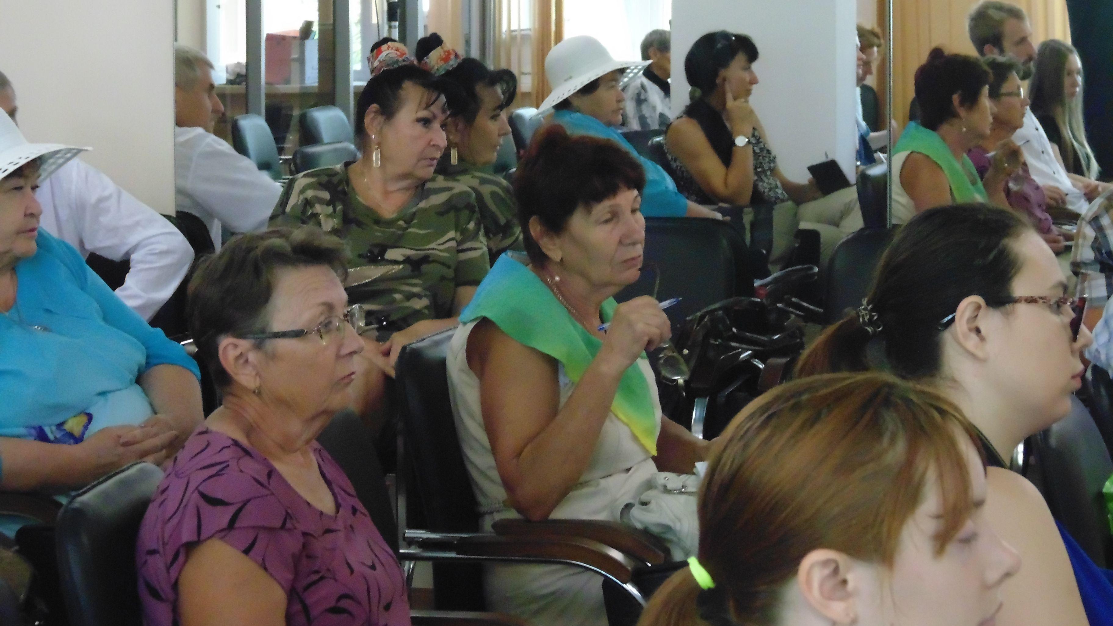 Встреча депутата Госдумы с дачниками в Хабаровском межрайонном союзе садоводов